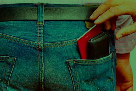 Traveler gets pickpocketed